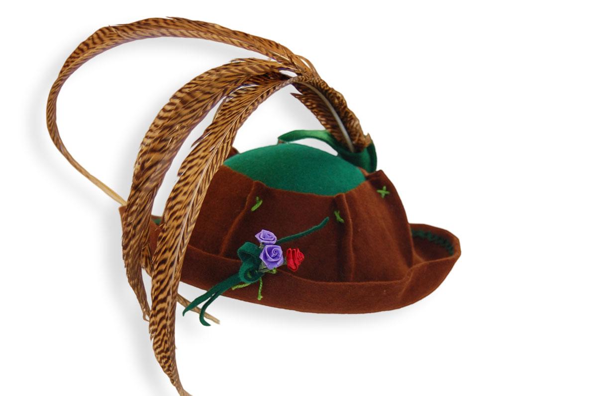 Dirndlhut. Hüte von Roswitha Aman. Seit 40 Jahren in Augsburg.